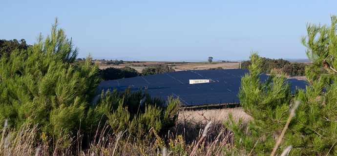 Free field power plant in southern FranceThanks to its appealing design, Solar Frontier PV system integrates perfectly in an idyllic wine region
